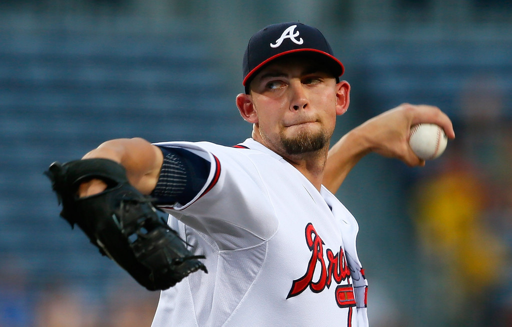 Royals Sign Mike Minor