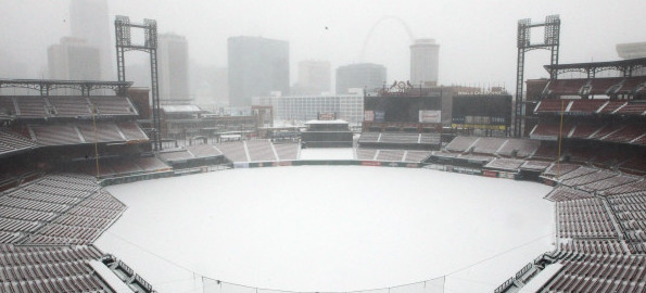 Bitter cold weather and snow hit St. Louis area