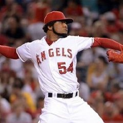 Royals acquire Angels starter Ervin Santana